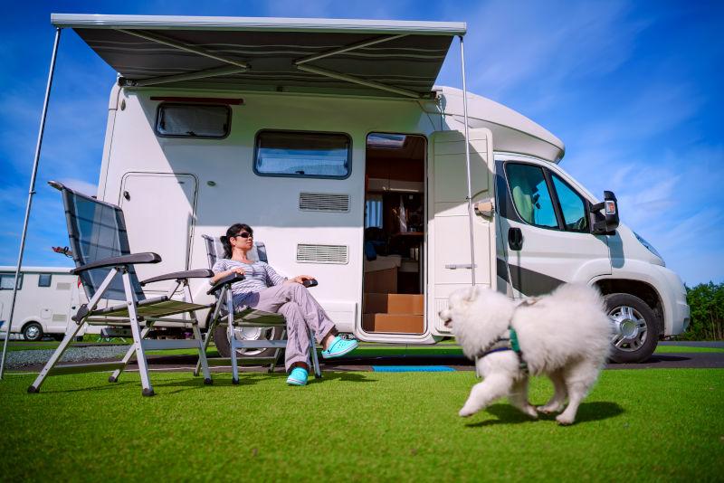 Campingurlaub mit Hund im Wohnmobil